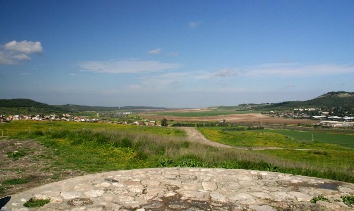 Beth Shemesh Bible Maps: Lion Tracks Photo QnA -- Beth Shemesh In Judea. The Ark